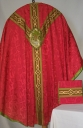 Ornement rouge 5 : chasuble, bourse du corporal