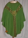 Ornement vert 1 : chasuble, voile de calice